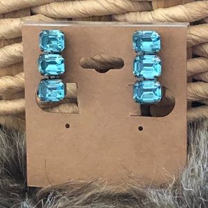 Antique 1940s blue glass stone screw back clip ons